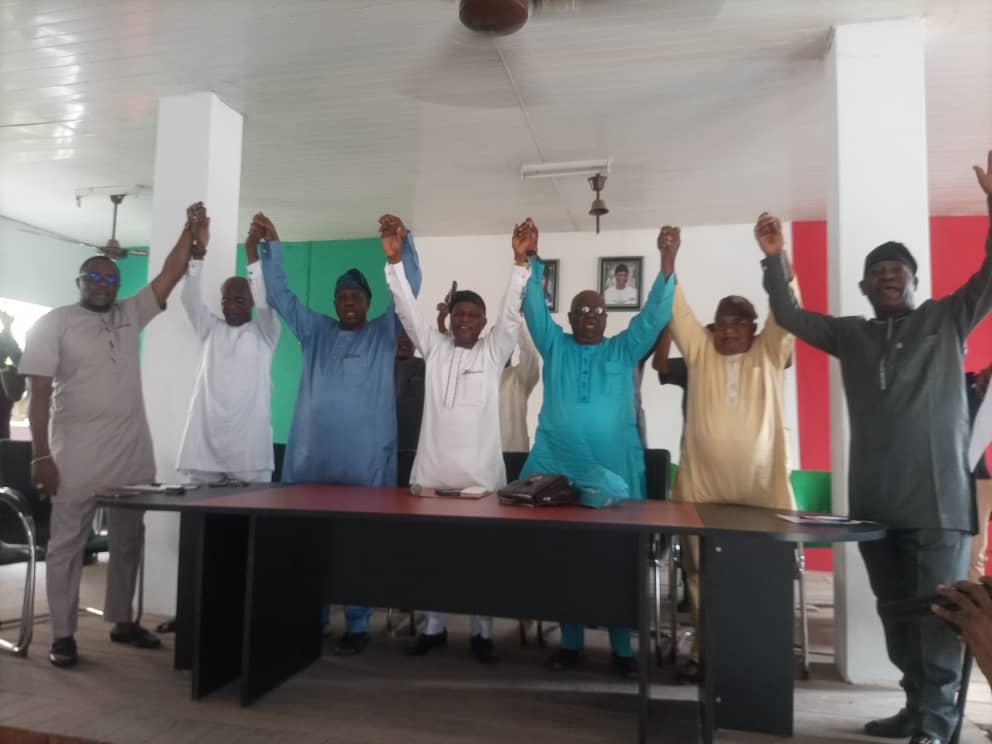 Defection: Why we won't miss Dennis Alonge —Ondo PDP, welcomes two political Bigwigs